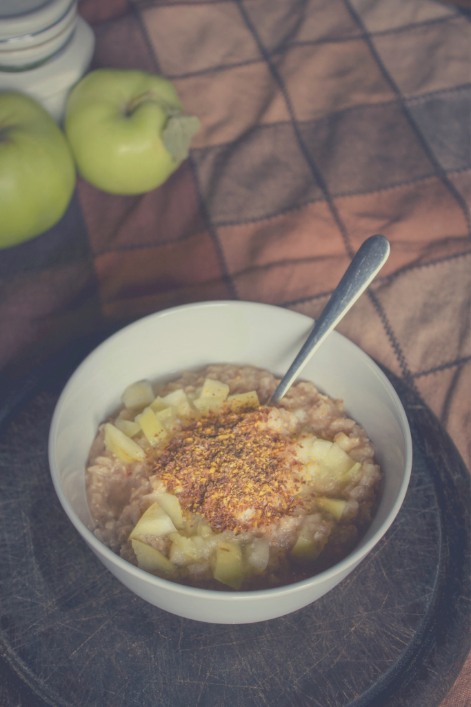 Oatmeal with Apple